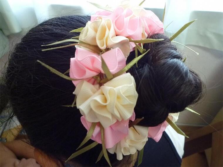 ハワイアンリボンレイのヘアアクセサリー