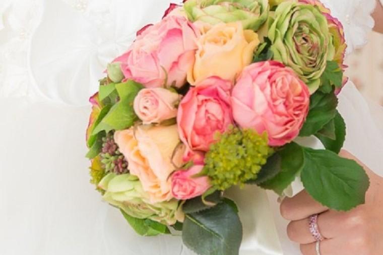 造花のウエディングブーケアイキャッチサイズ