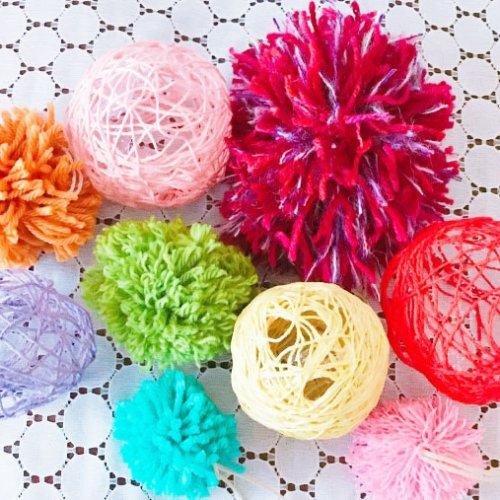 毛糸で簡単に作れる『コットンボール』の作り方